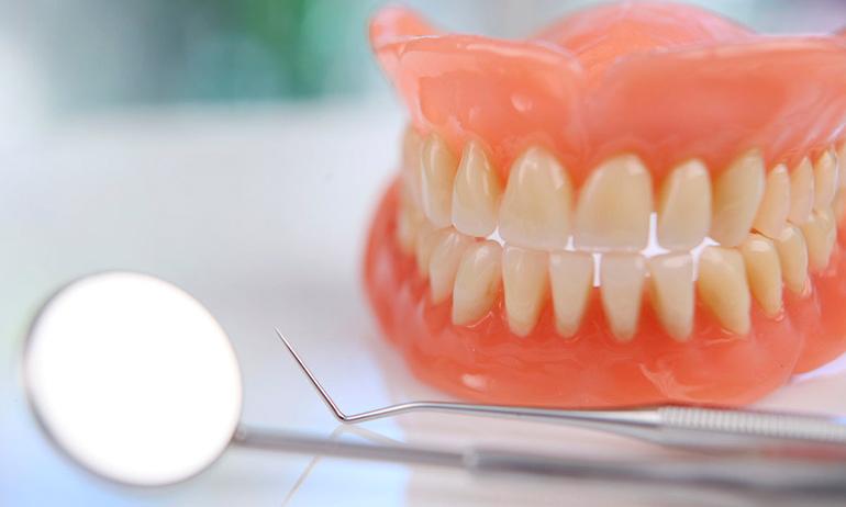съемные зубные протезы в харькове