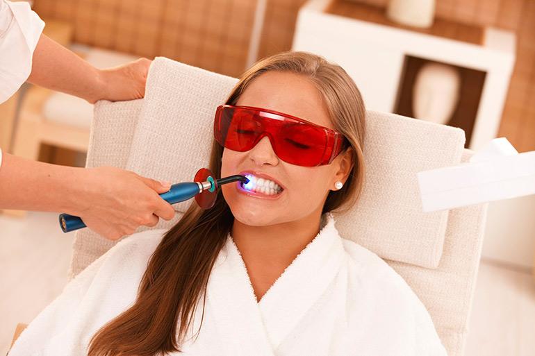 как отбелить зубы фото