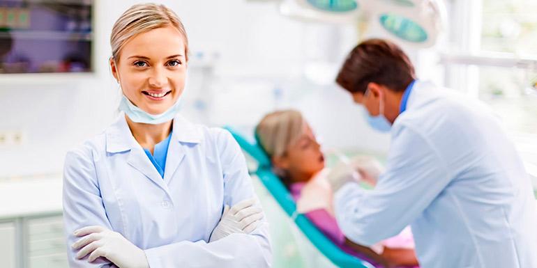 хороший стоматолог в харькове